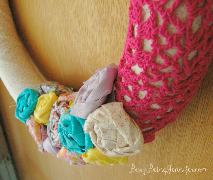 DIY Rolled Flowers for my new Spring Fabric Wreath - BusyBeingJennifer.com