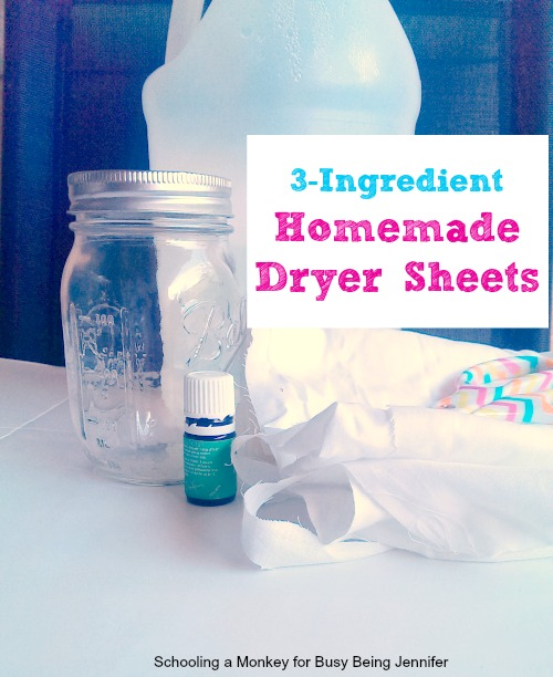 Don't want to pay a lot for chemical-laden dryer sheets? Make your own DIY homemade dryer sheets with these easy tutorial!
