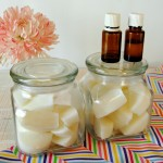 These DIY Oil Pulling Cubes make Oil Pulling easy and convient! Get the details from BusyBeingJennifer.com