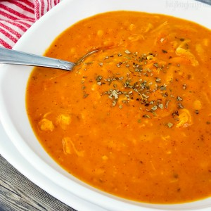 Delicious and tasty with just a hint of spicy! Try this Tomato Chicken Orzo Soup Recipe from BusyBeingJennifer.com