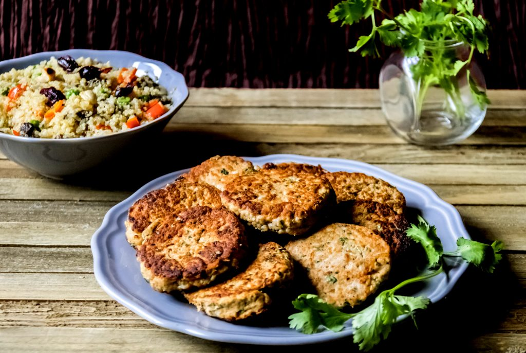 salmon-cakes-with-quinoa-pilaf
