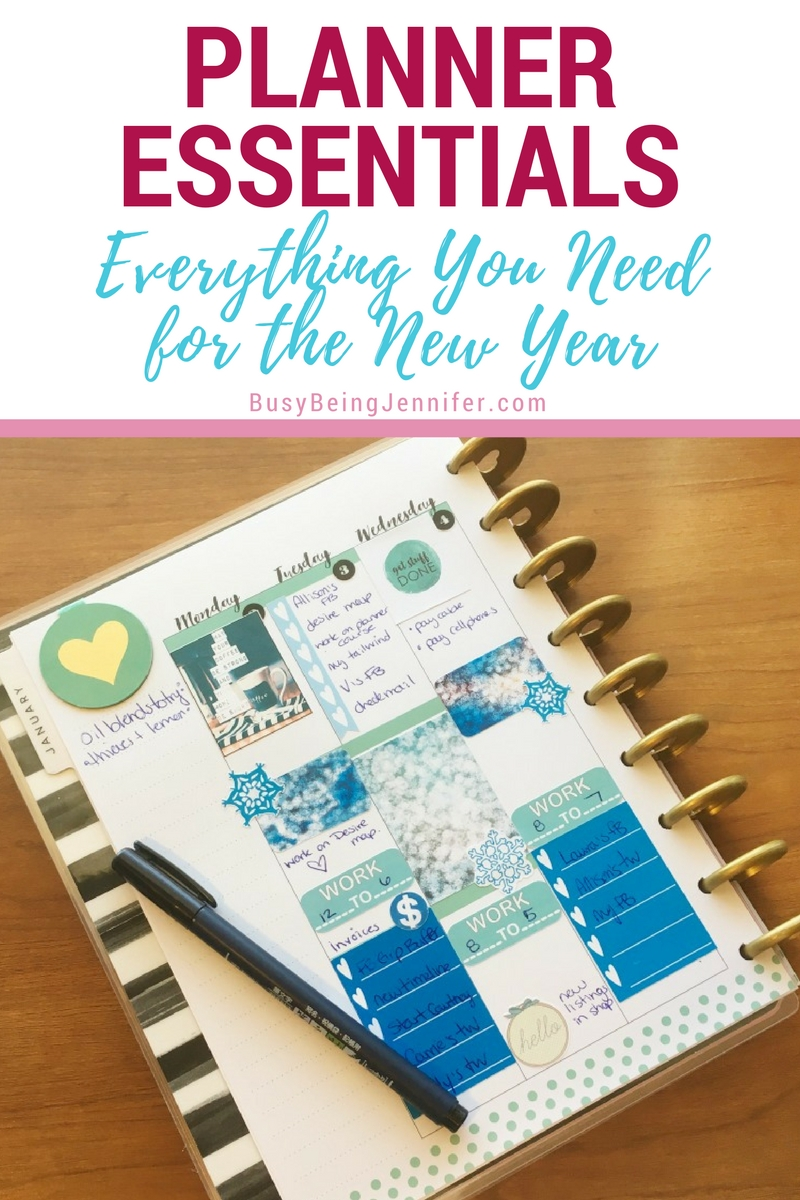 Time to open those new planners  and get them up just the way we like them! These are my favorite planner essentials for the new year and a new planner!